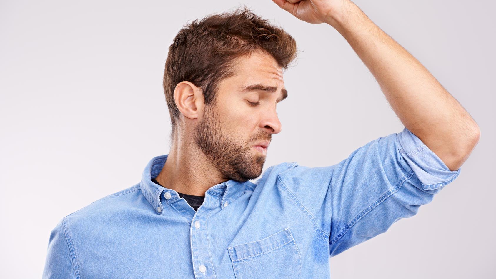 Uhhh was riecht denn hier so? Schweiß kann richtig fies duften. Woher der Geruch kommt, haben Forscher nun herausgefunden.