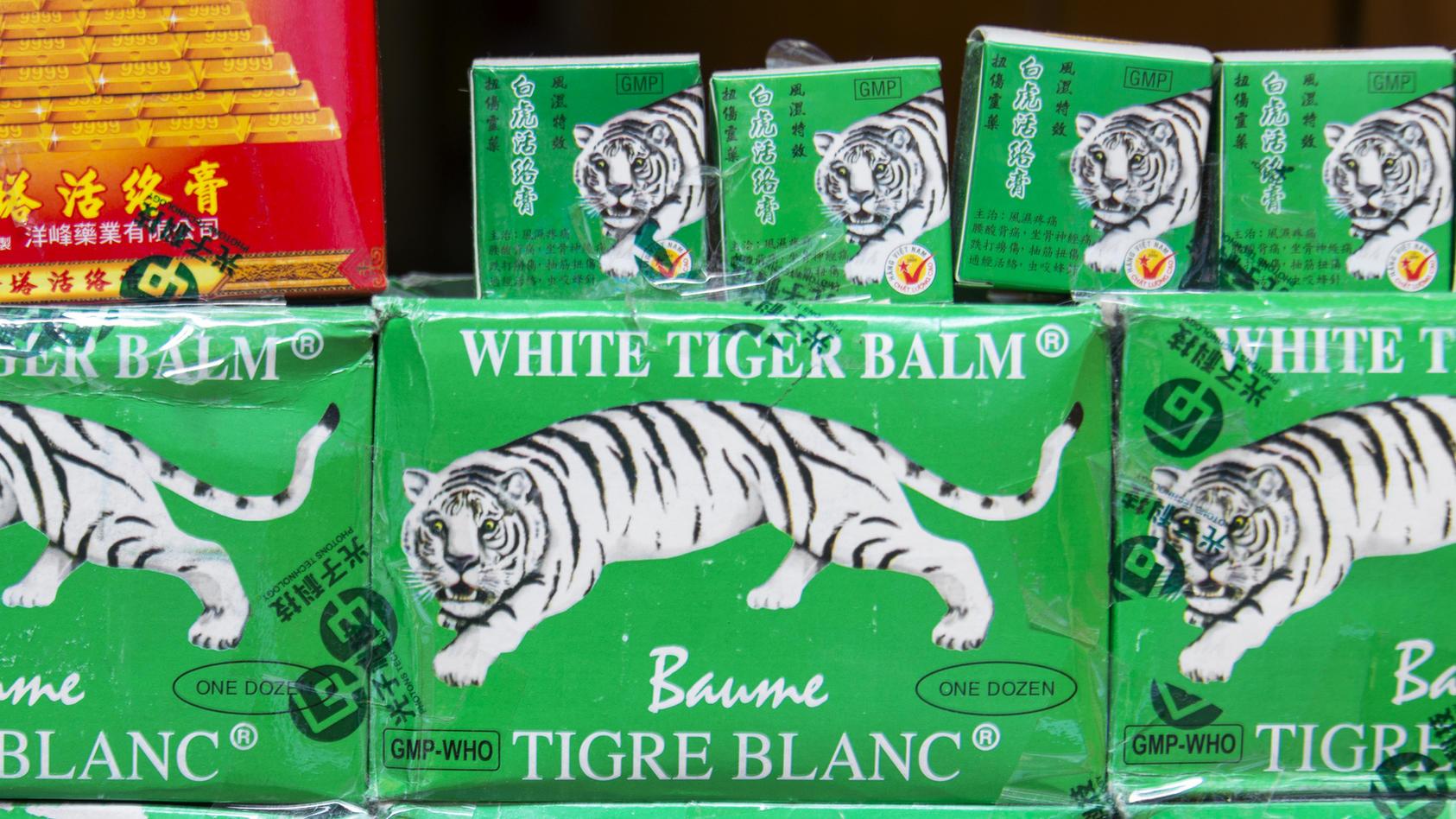 Tiger Balm: Natürliches  Schmerzmittel aus Asien