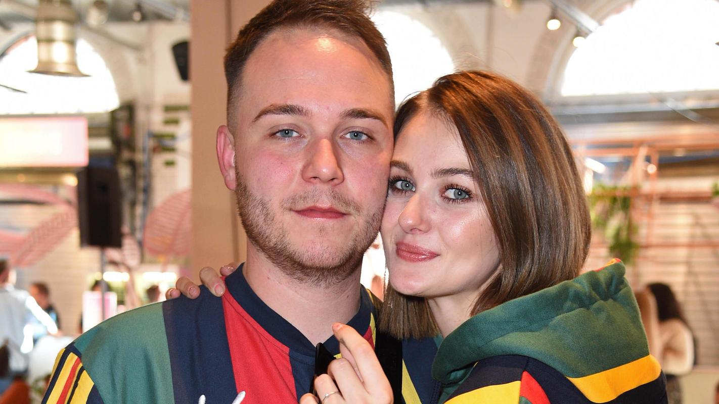 Roman und Vanessa Tamkan haben im Oktober 2019 geheiratet. Jetzt werden sie zum ersten Mal Eltern.