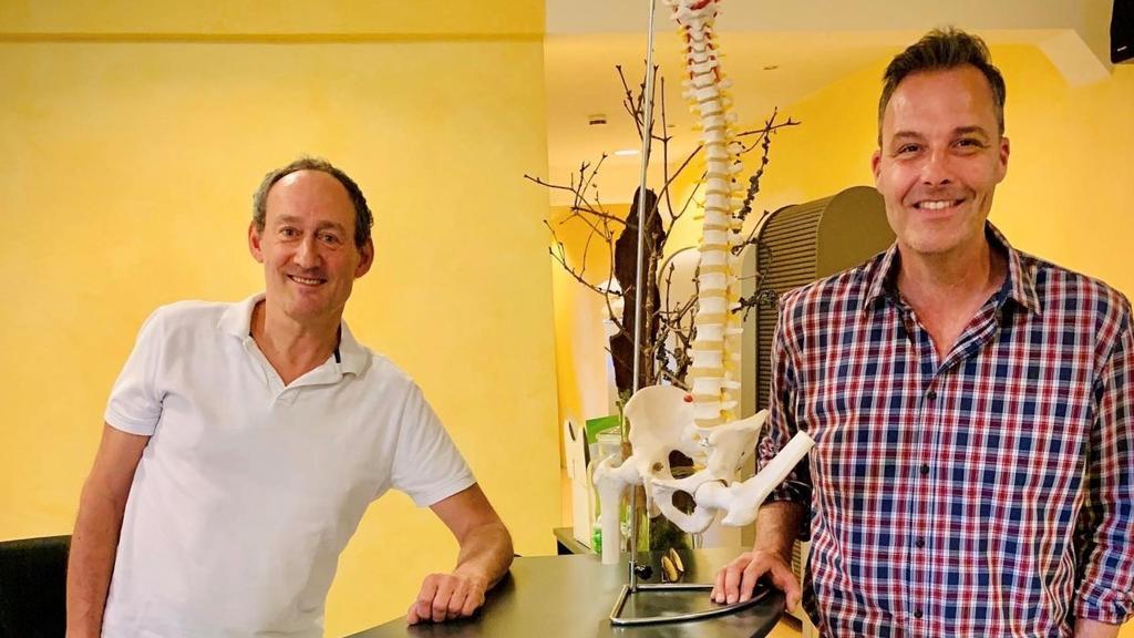 RTL Reporter Thorsten Sleegers mit Dr. Peter Fleischhauer