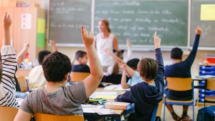 An Salzburger Schulen sind die Lehrer dazu angehalten, Coronainfektionen zu verschweigen.  (Symbolbild)
