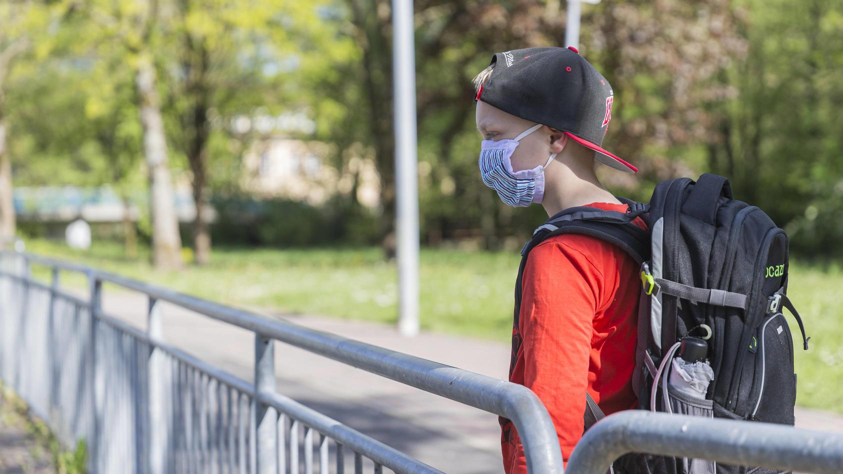 Vielen Müttern ist die Maskenpflicht an Schulen ein Dorn im Auge.
