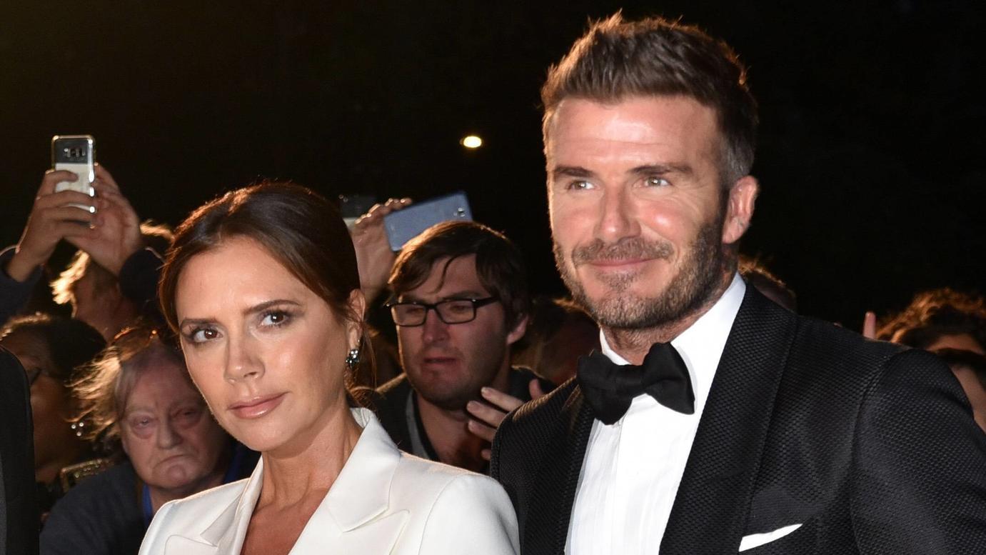 Victoria und David Beckham sollen laut britischer Medienberichte im März an Corona erkrankt seien.