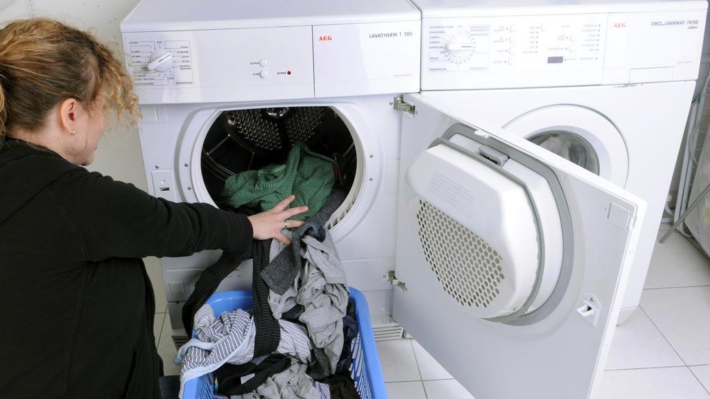 Die Wäschetrommel immer voll machen.