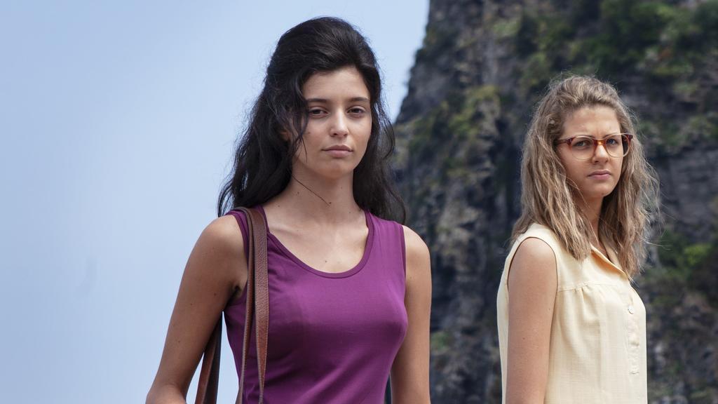 """Lila und Lenú machen In """"Meine geniale Freundin - Die Geschichte eines neuen Namens"""" zum ersten Mal richtig Ferien - auf Ischia"""