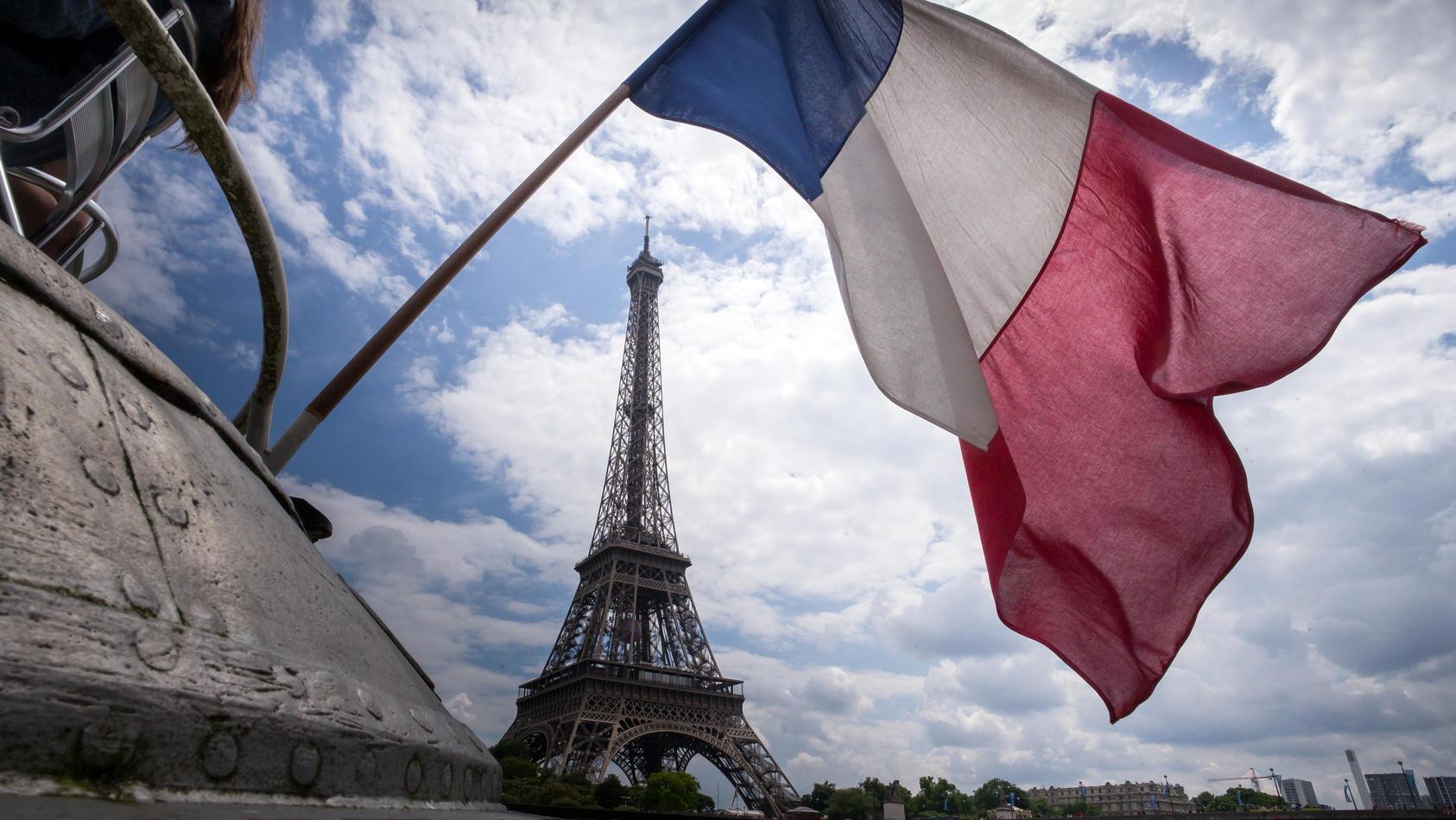 Frankreich meldet einen Rekord-Anstieg der Corona-Zahlen am letzten Wochenende.