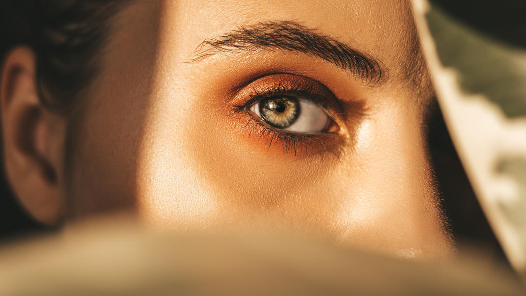 Wir zeigen, wie Sie Ihre Augenbrauen in Szene setzen - mit Swept-up-Brows