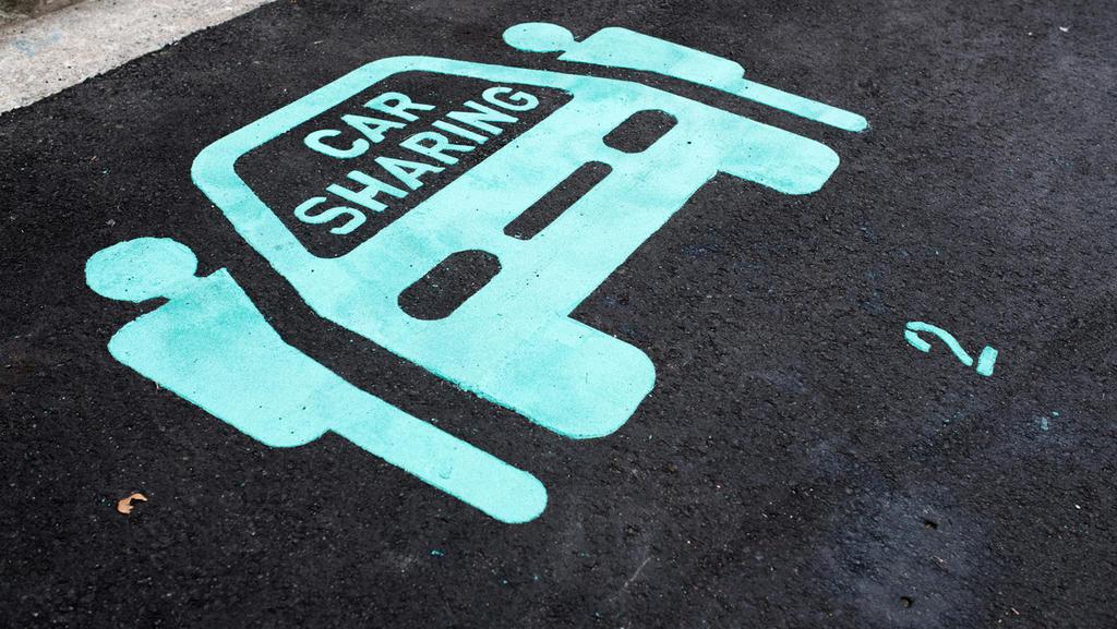Für Carsharing-Fahrzeuge gibt es oft sogar eigene Parkflächen