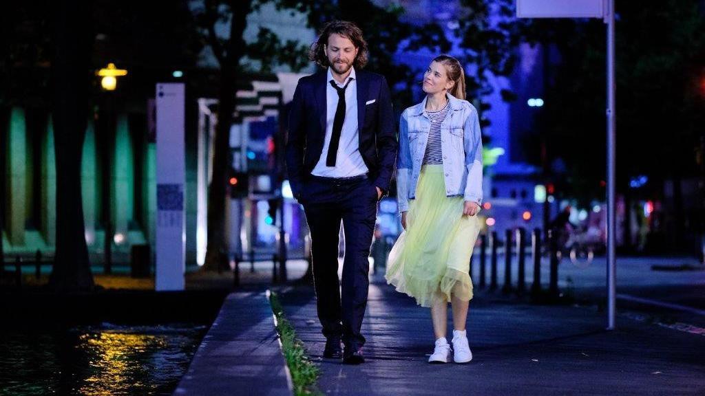 Alexander Verhoven (Frederik Götz) und Josefin Reinhardt (Sina Zadra) spielen das neue Liebespaar.