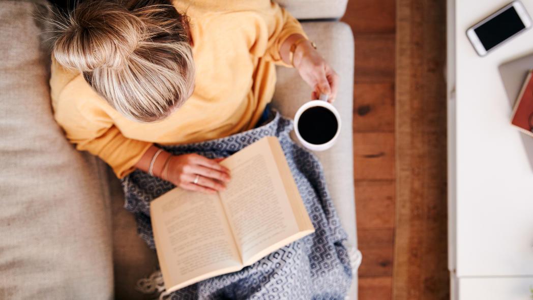 Gibt es etwas Gemütlicheres als einen Lese-Abend mit einem tollen Krimi?