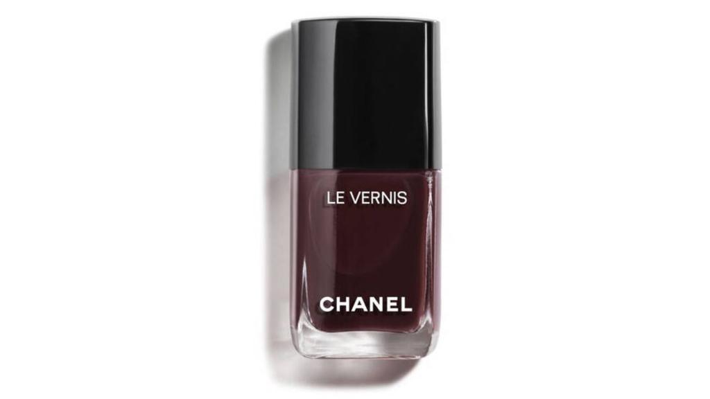 Nagellack Rouge Noir von Chanel.