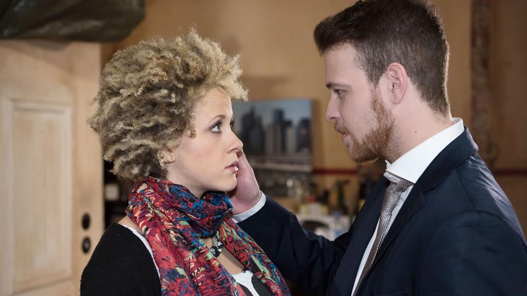 """Patrick Müller und seine Frau Joy während der Dreharbeiten für """"Unter uns""""."""