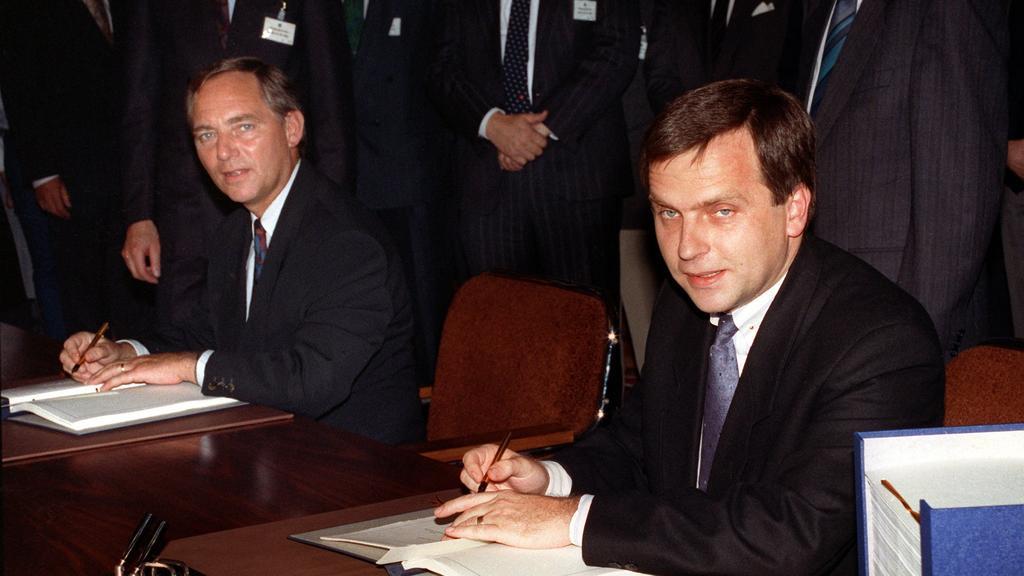 ARCHIV - 31.08.1990, Berlin:
