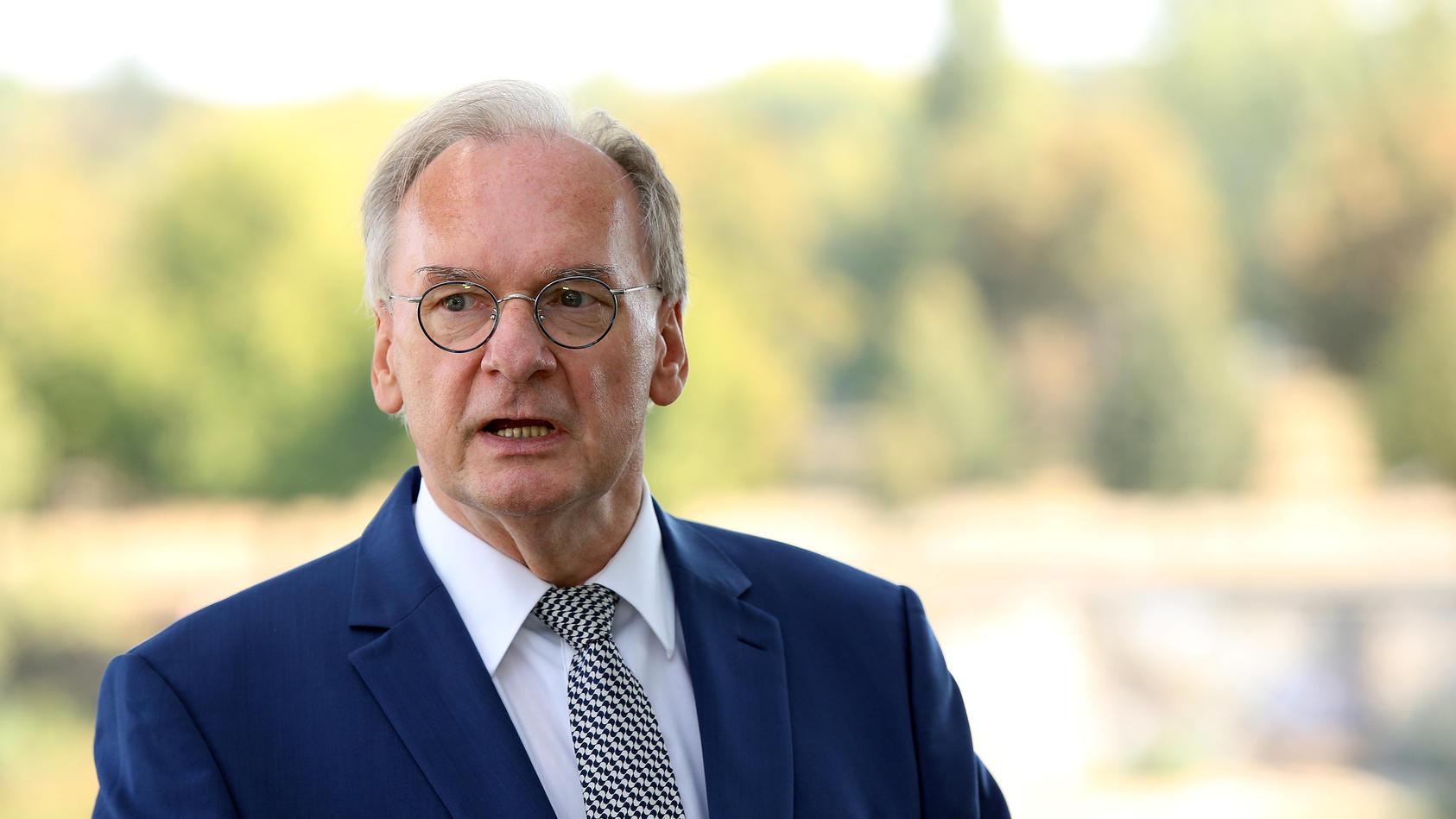 Haseloff verfehlte im ersten Wahlgang die nötige Mehrheit von 49 Stimmen. Im zweiten Wahlgang wird er dann gewählt.