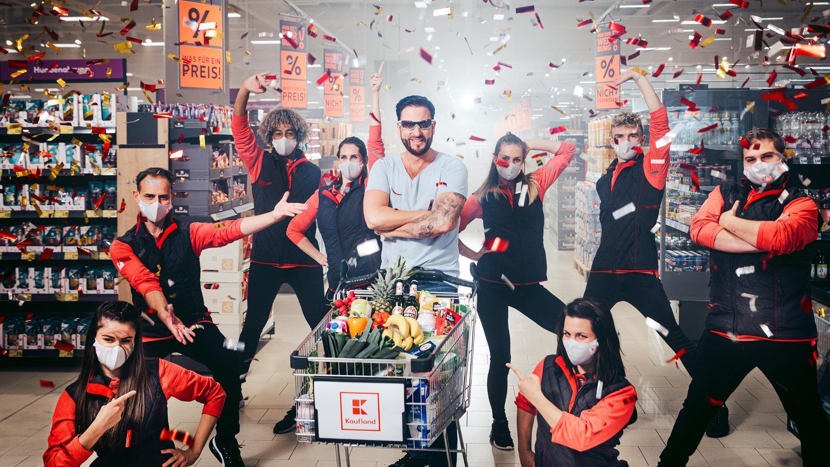 Michael Wendler macht Werbung für junges Gemüse.