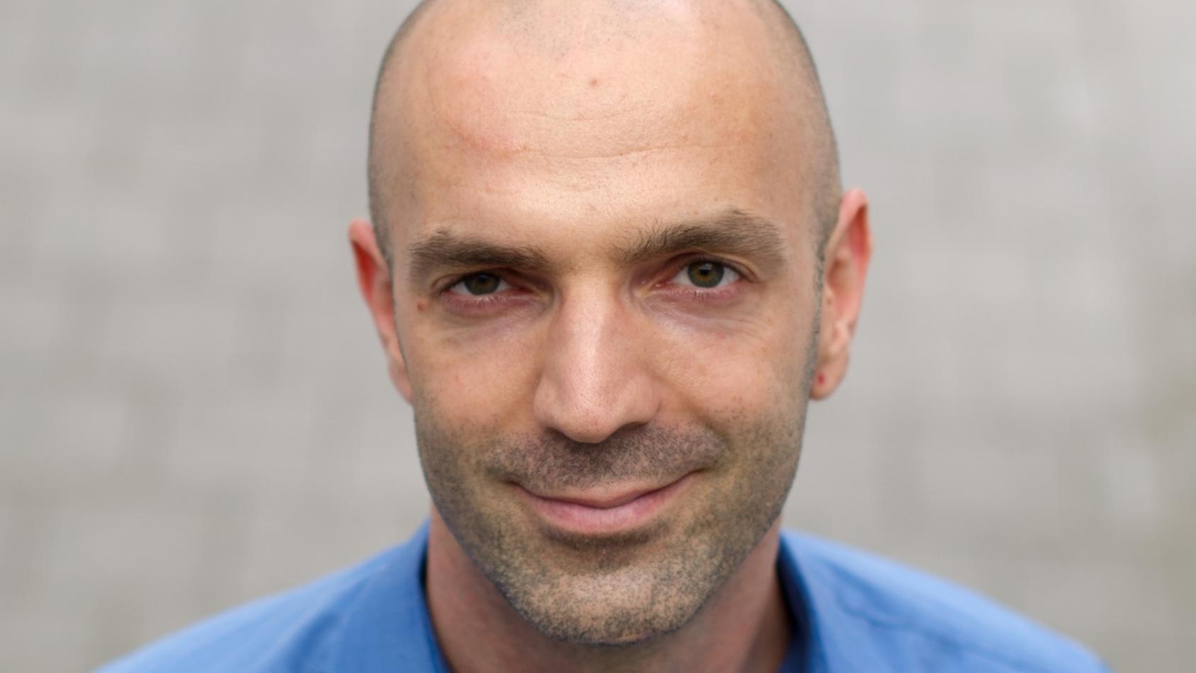 Der Virologe Jonas Schmidt-Chanasit hat eine Professur an der Universität Hamburg inne. Er ist sich sicher: Das Virus wird uns noch sehr lange beschäftigen - wahrscheinlich für immer. (Archivbild)