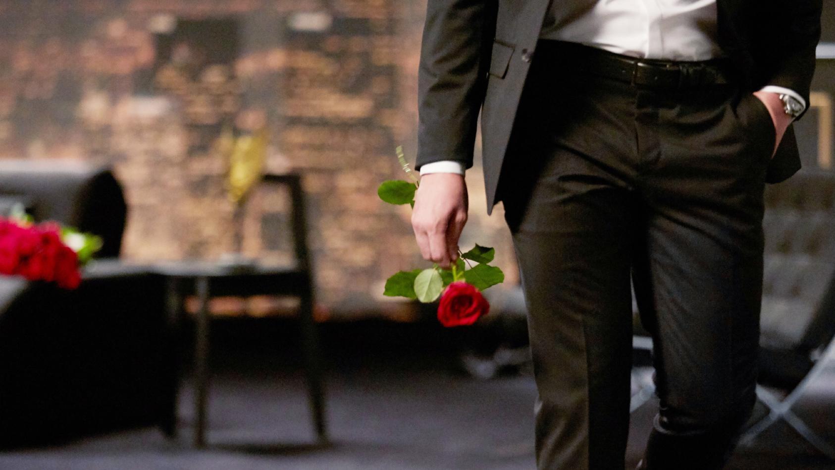 """2021 wird """"Der Bachelor"""" wieder bei RTL Rosen verteilen"""