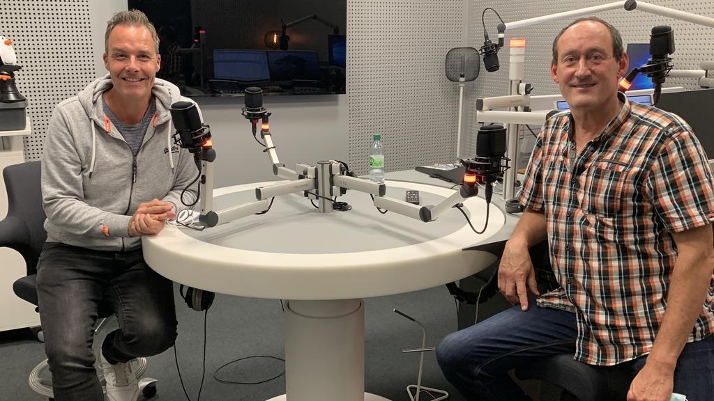 RTL-Reporter Thorsten Sleegers im Gespräch mit Peter Fleischhauer