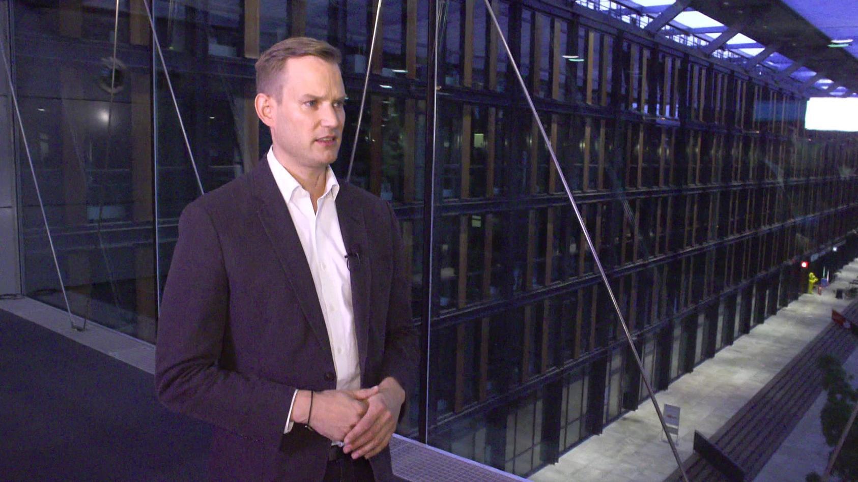 Virologe Hendrik Streeck im Interview