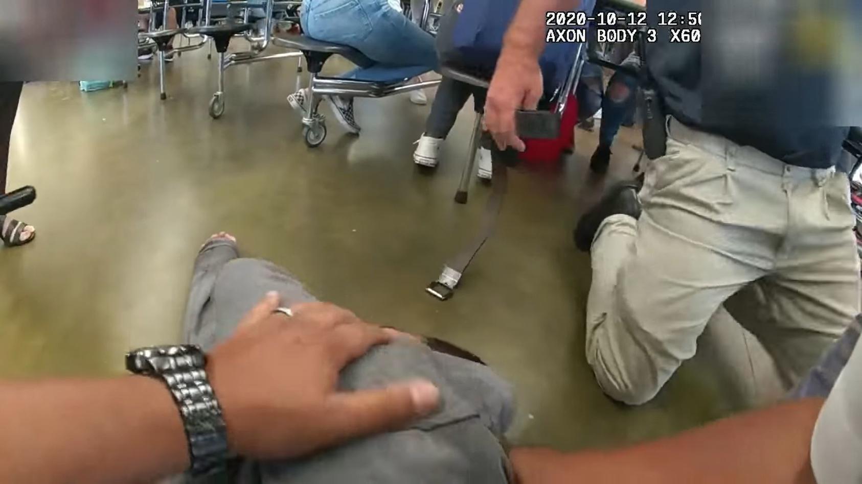 Ein Schulpolizist aus Florida hat einem Schüler das Leben gerettet.