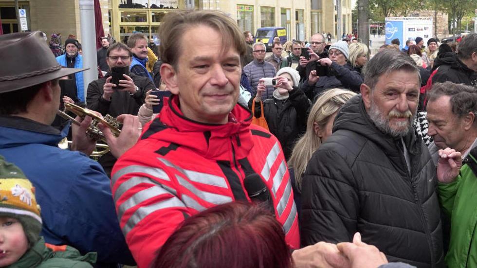 Corona- Demo 13.10.2020,Chemnitz, Demo Am Dienstag demonstrierten in Chemnitz am Roten Turm etwa 800 Personen gegen die