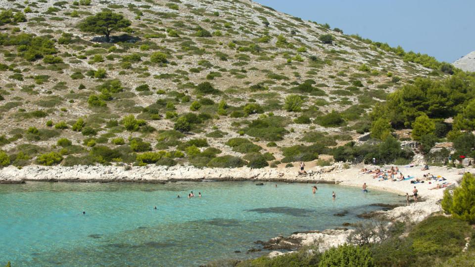 Kroatien, Dalmatien, Murter, Nationalpark Kornaten, Insel Levrnaka, Strand Lojena