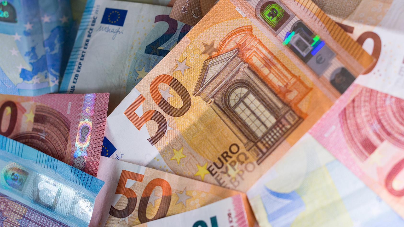 Steuerzahlerbund  stellt Schwarzbuch vor