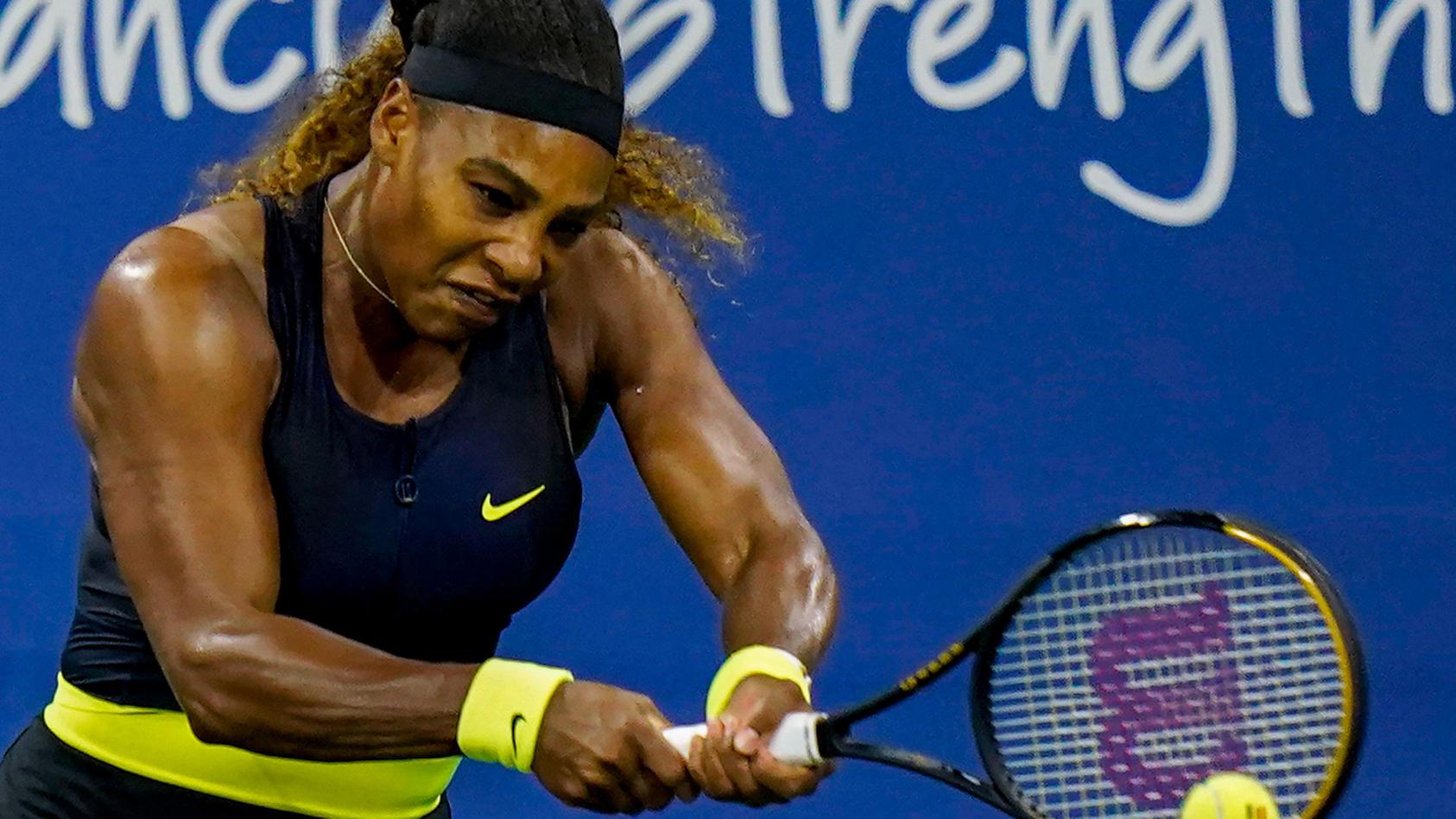 Serena Williams lässt die Muskeln spielen.