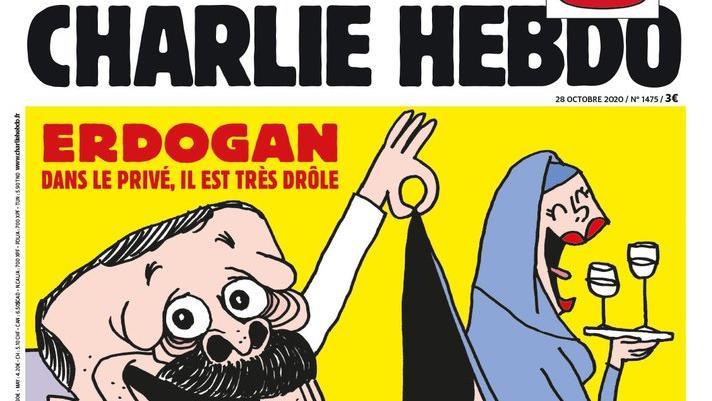 """Die französische Satirezeitschrift """"Charlie Hebdo"""" hebt eine Karikatur des türkischen Staatschefs Recep Tayyip Erdogan auf die Titelseite ihrer neuen Ausgabe."""