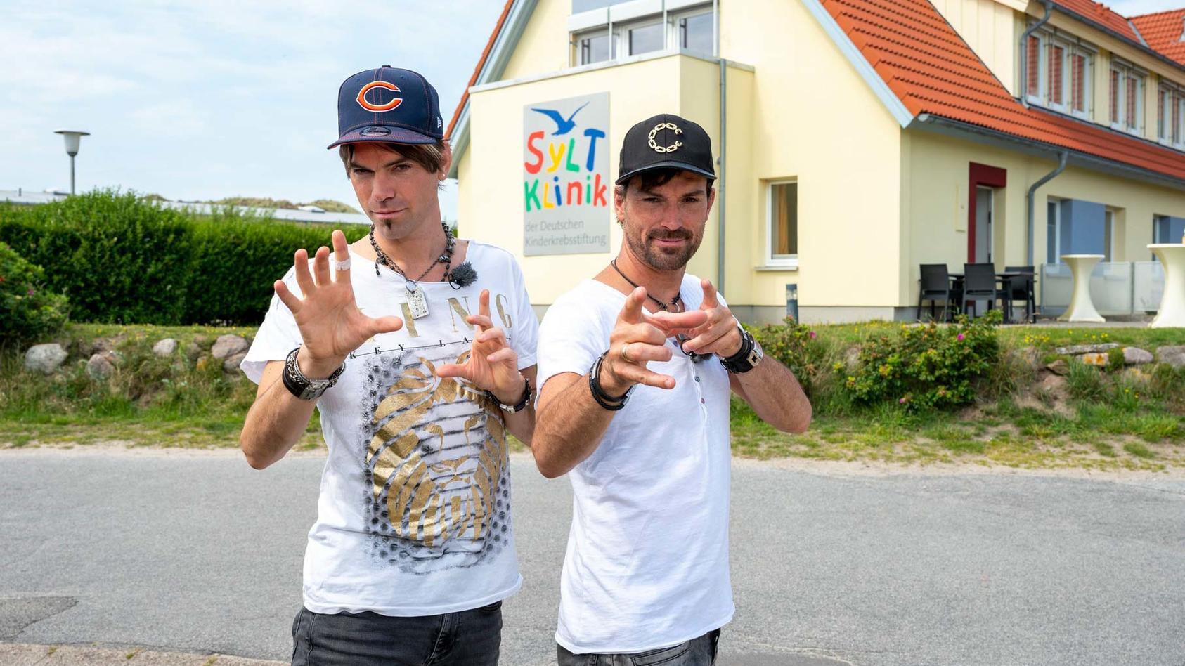 hilfe-fur-krebskranke-kinder-ehrlich-brothers-besuchen-syltklinik