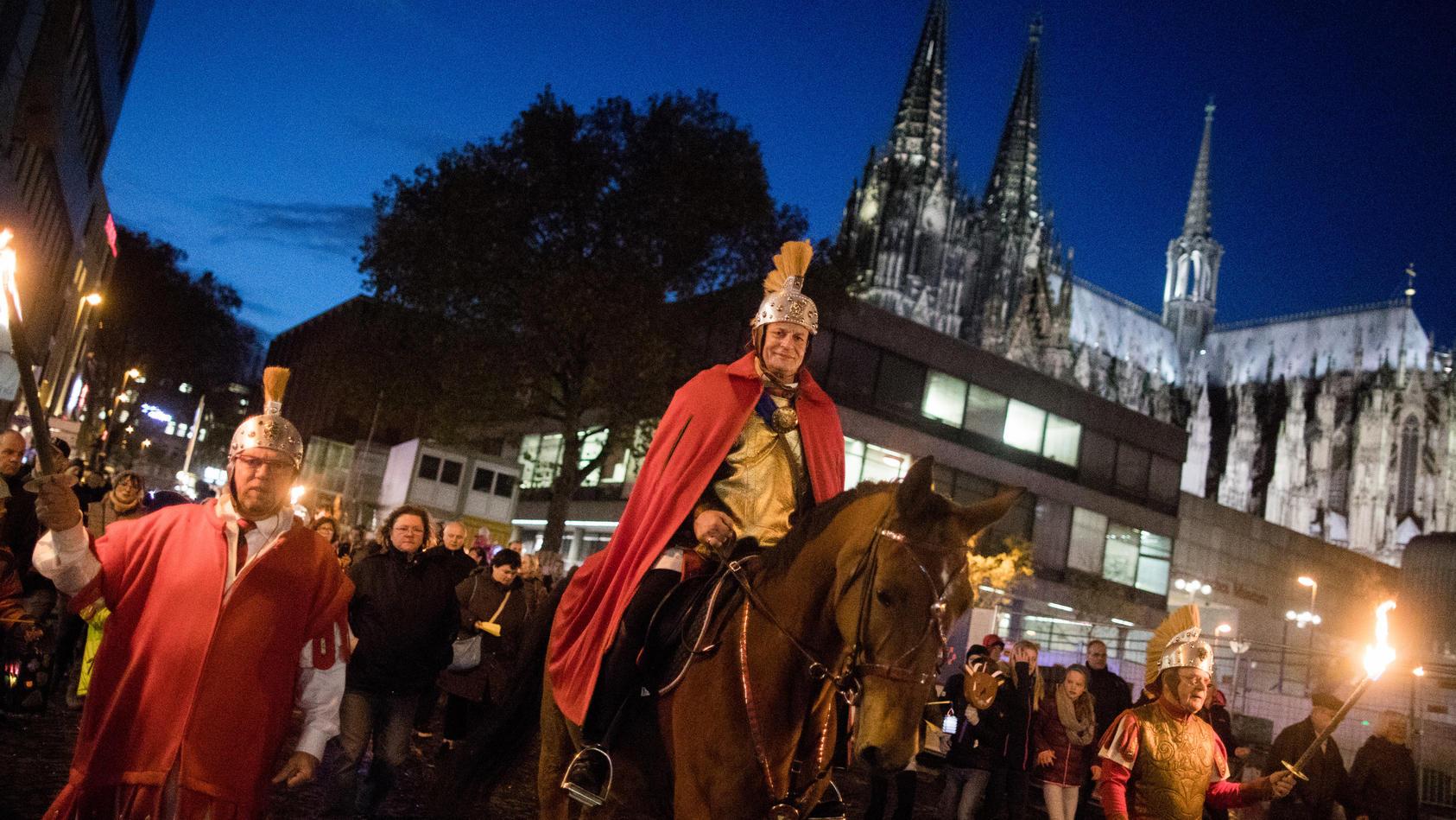Sankt Martin vor Kölner Dom