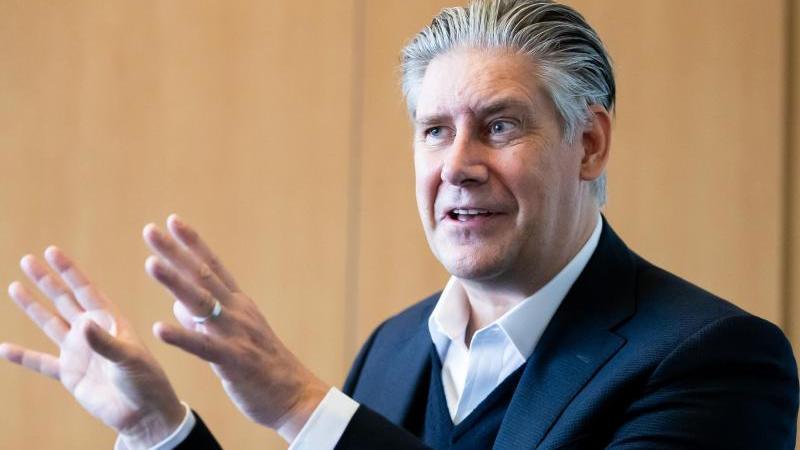 Johan Lundgren, Vorstandsvorsitzender der Fluggesellschaft Easyjet. Foto: Christoph Soeder/dpa