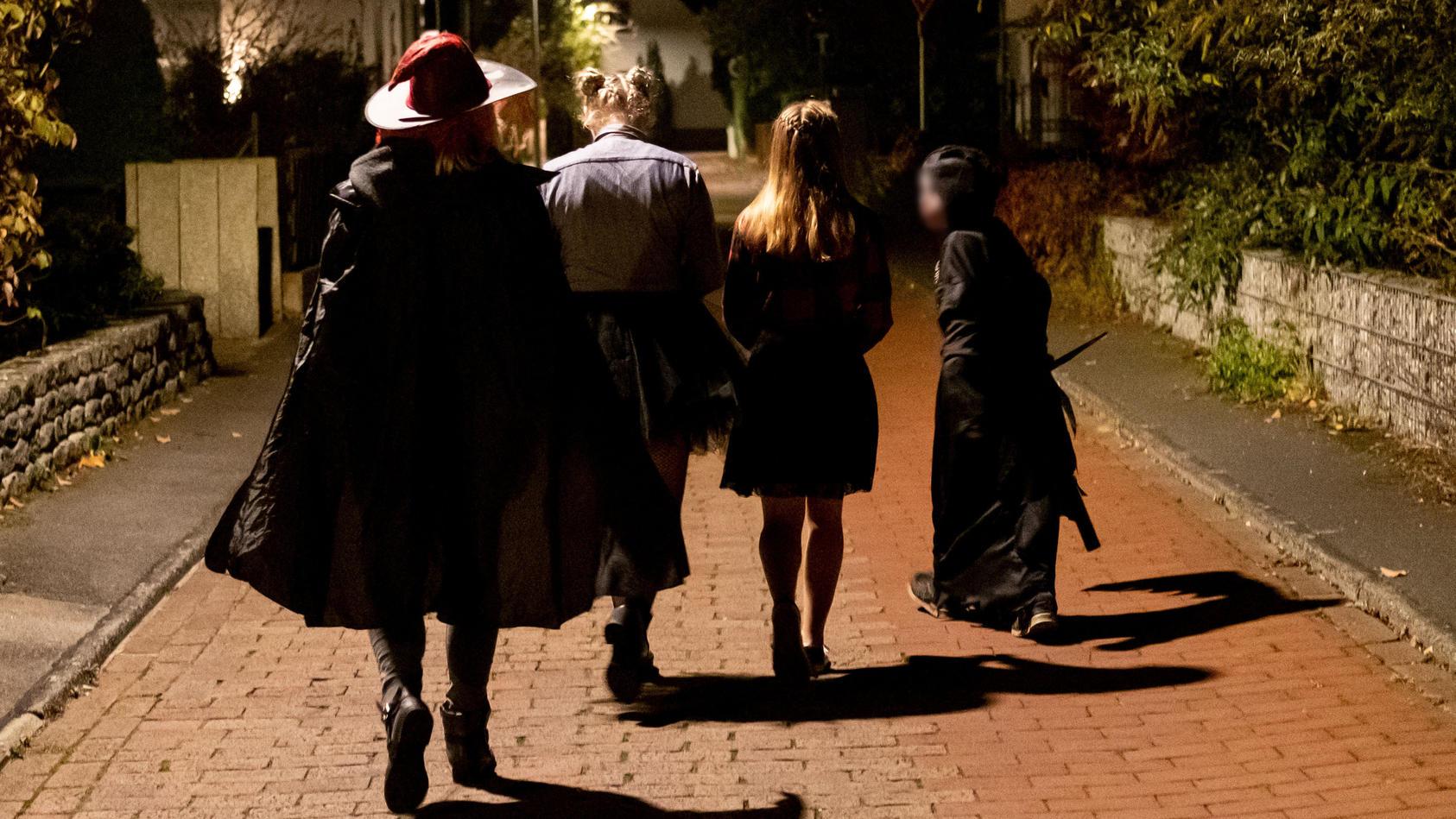 Von Tür zu Tür ziehen an Halloween: Dieses Jahr keine gute Idee.