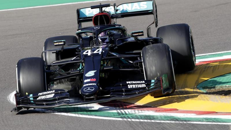 Lewis Hamilton fuhr die Bestzeit im Training. Foto: Luca Bruno/AP Pool/dpa