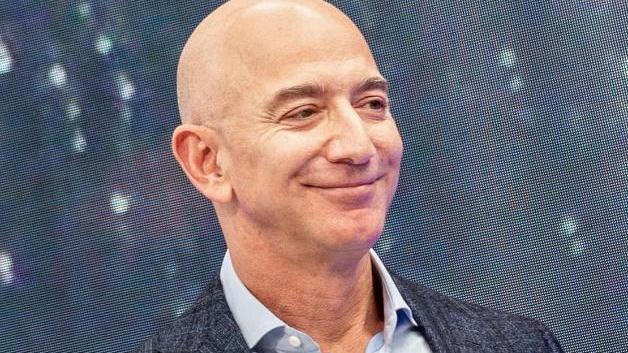 Jeff Bezos ist Chef und Gründer von Amazon und gilt als reichster Mensch der Welt. Foto: Andrej Sokolow/dpa