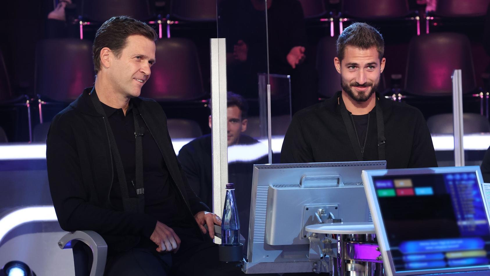 """DFB-Direktor Oliver Bierhoff (l.) und Fußball-Nationalspieler Kevin Trapp (r.) als Kandidaten bei Günther Jauchs """"Wer wird Millionär?"""""""