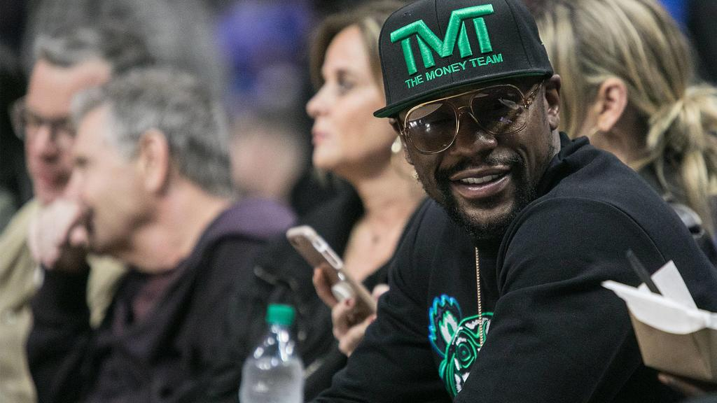 December 17, 2018 - Los Angeles, California, United States of America - Floyd Joy Mayweather Jr. attends the game between the Los Angeles Clippers and the Portland Trailblazers on Monday December 17, 2018 at the Staples Center in Los Angeles, Califor