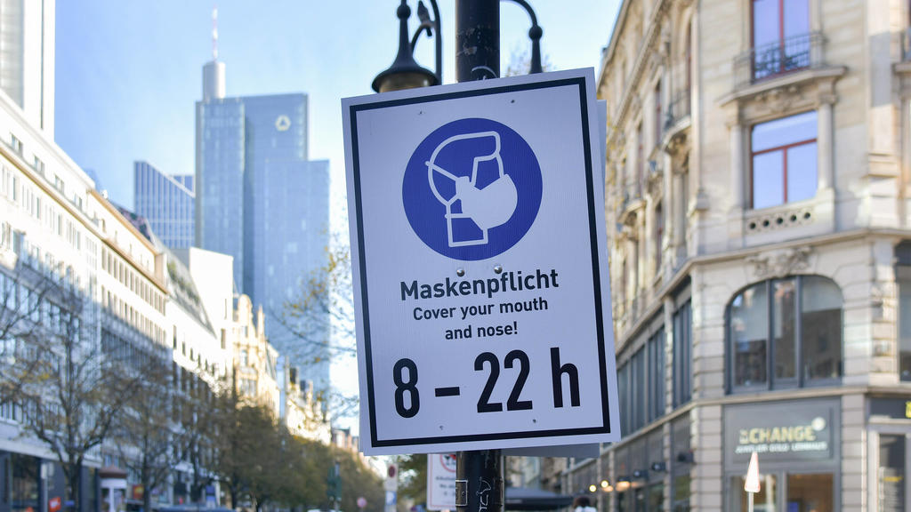 xblx, Maskenpflicht in der Innenstadt von Frankfurt, emwir Frankfurt am Main *** xblx, compulsory masking in the city centre of Frankfurt, emwir Frankfurt am Main