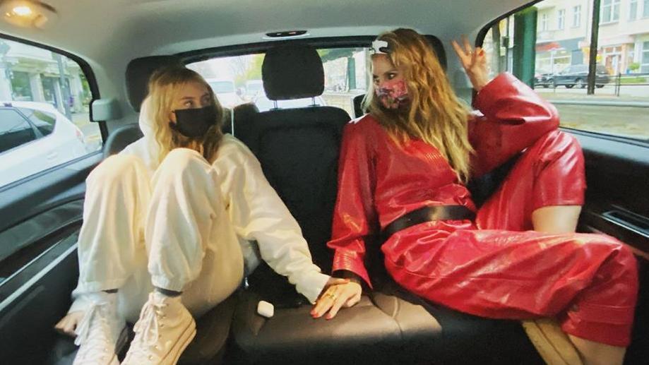 "Leni Klum und Mama Heidi auf dem Weg zu ""Germany's Next Topmodel""."