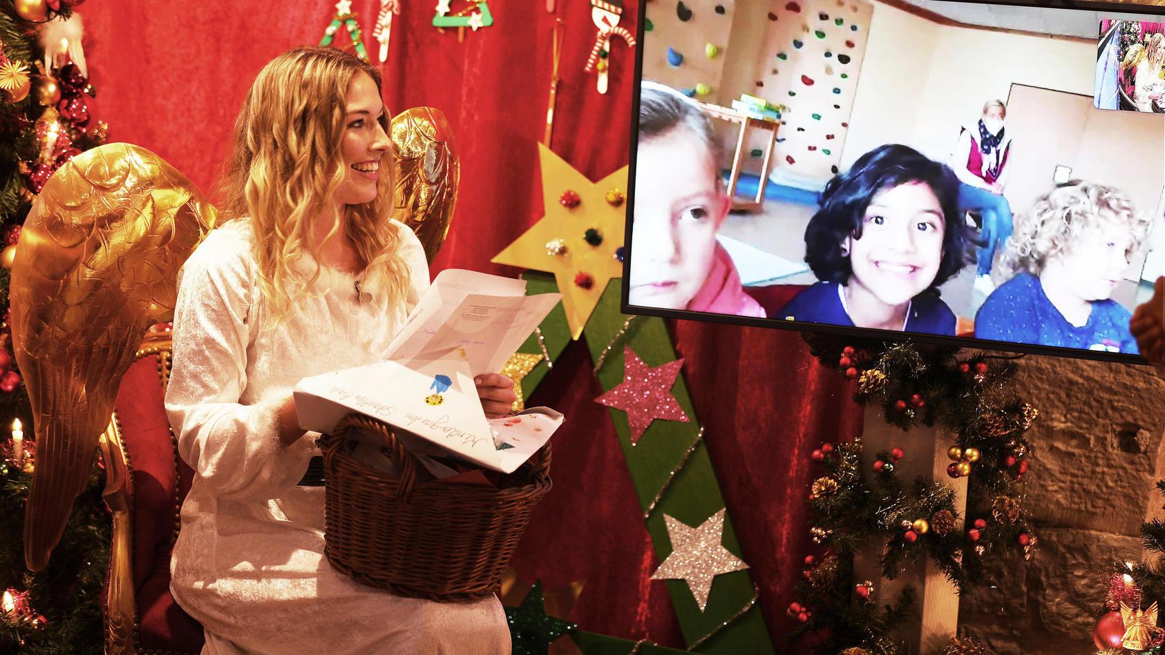 Aktuelle Bilder aus der Christkindpostfiliale in Engelskirchen.