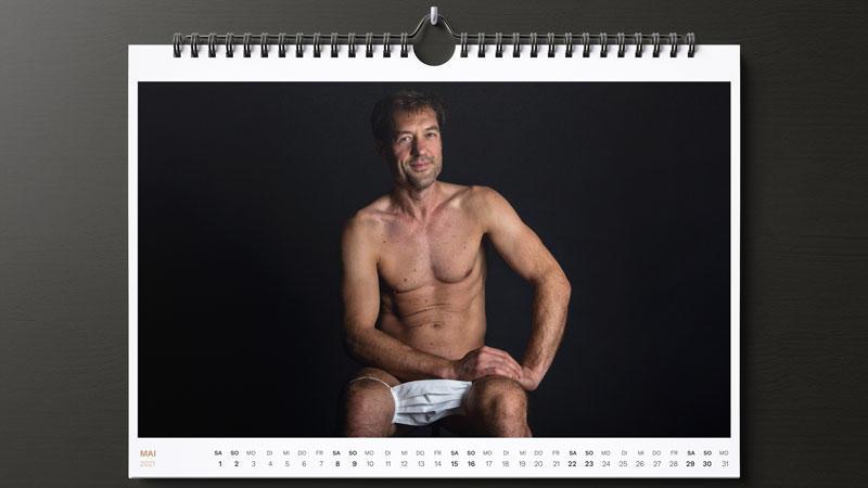 Im männlichen CoronAKT-Kalender posieren Mitglieder der Kölner Band Black Sheriff.
