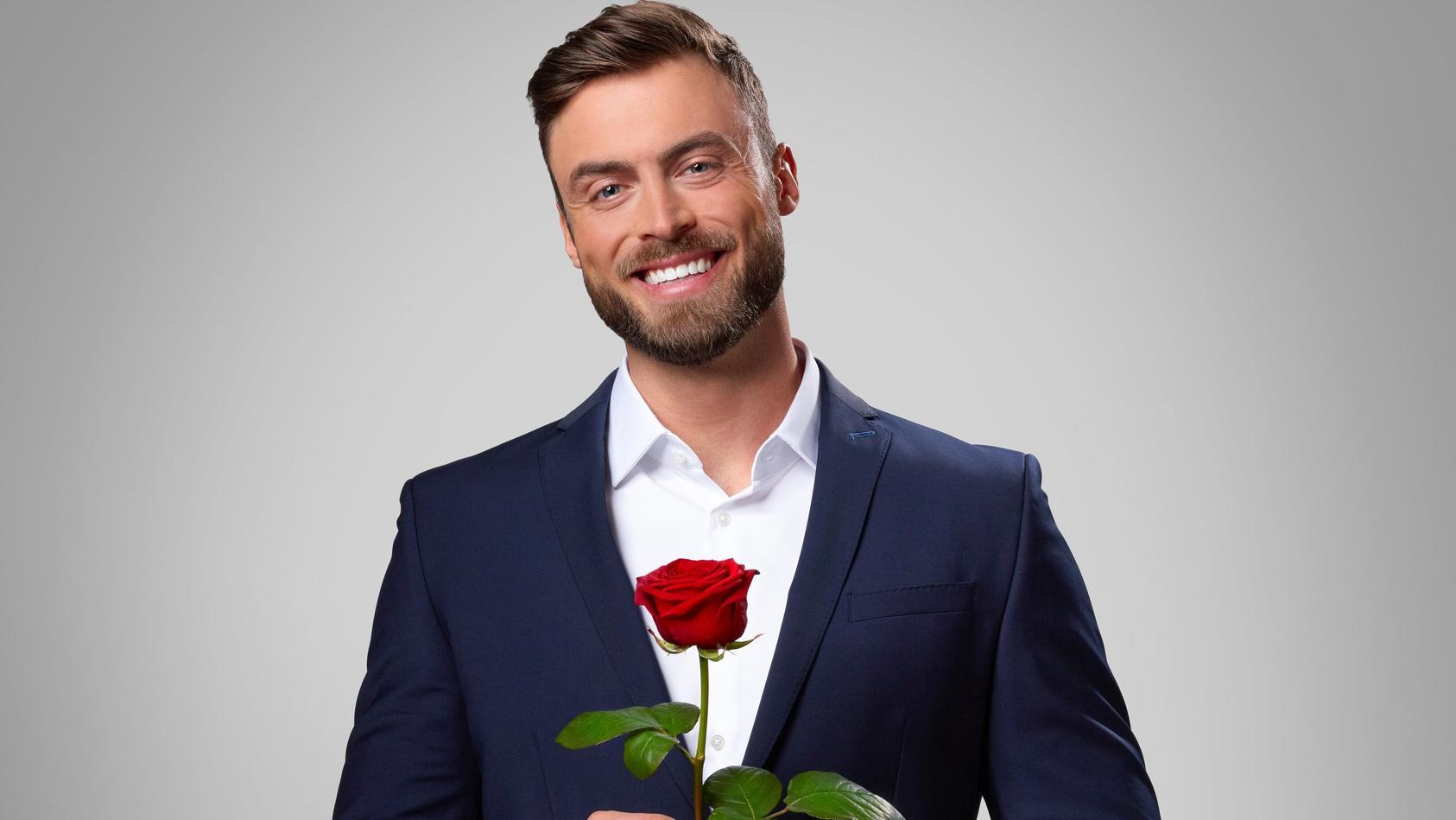 """Niko Griesert wird 2021 als """"Bachelor"""" die Rosen verteilen."""