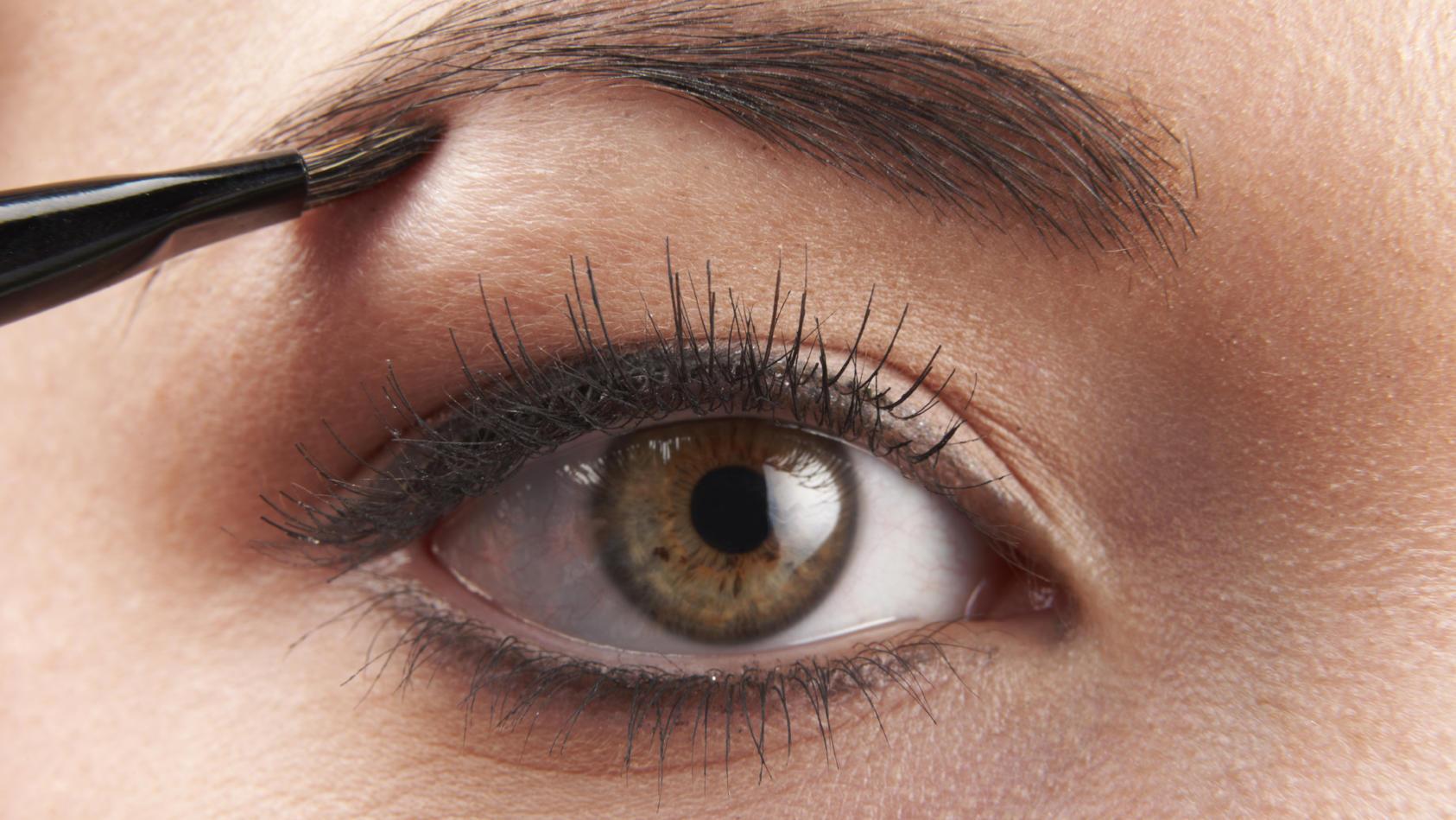 Augenbrauen: So gelingt Ihnen der perfekte Alltagslook.
