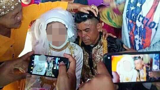 Mädchen dürfen auf den Philippinen mit der Pubertät heiraten