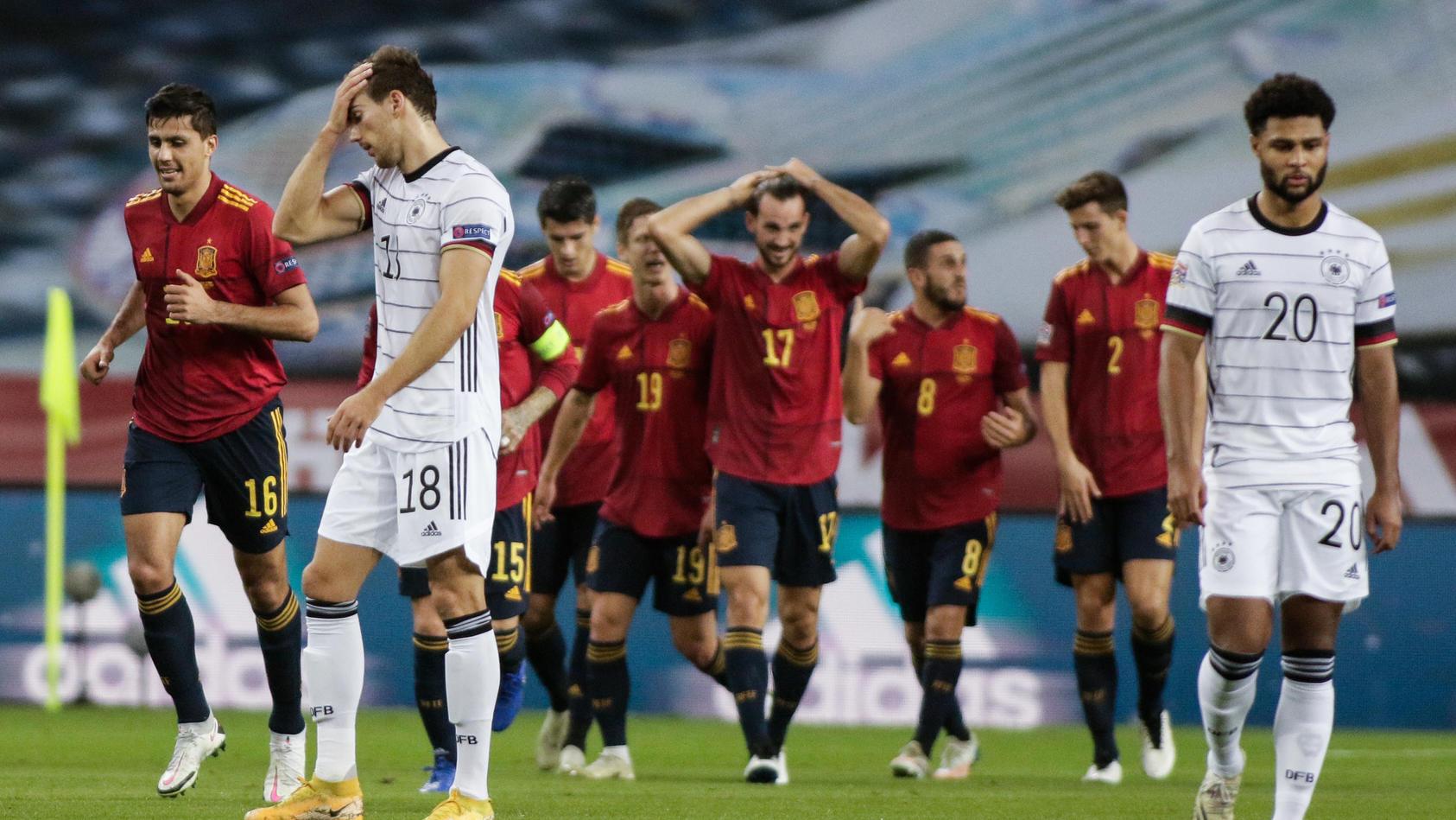 Fassungslosigkeit pur: Dieser Auftritt der Deutschen Nationalmannschaft wird in die Geschichte eingehen - als unrühmlicher Tiefpunkt.