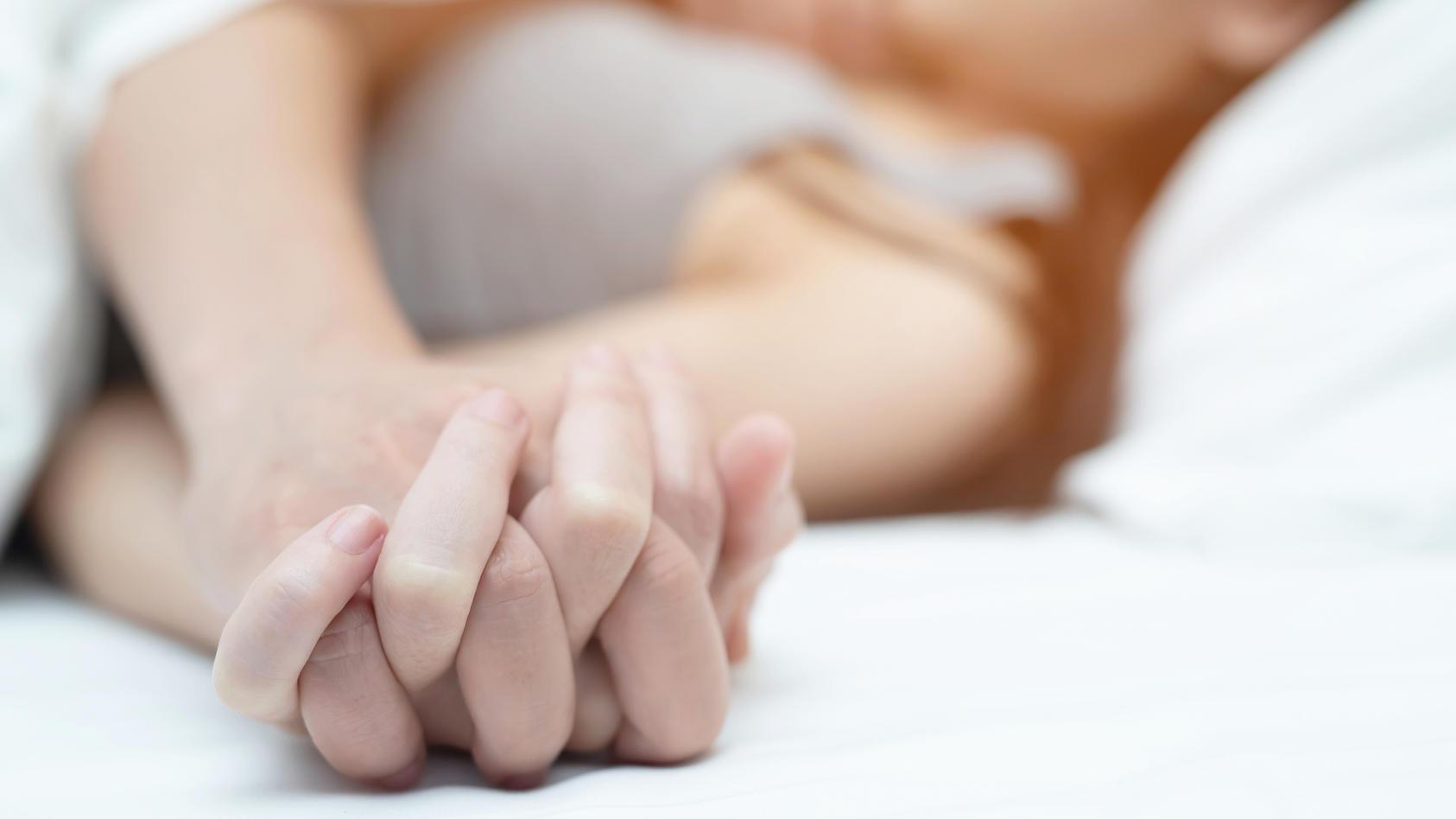 Neue Studie: Paare sind in der Pandemie mutiger im Bett geworden.