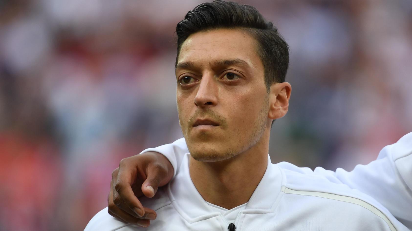 Mesut Özil im Trikot der Fußball-Nationalmannschaft.
