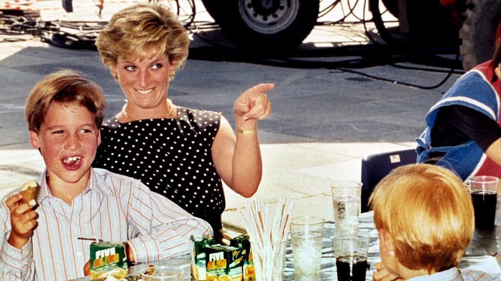 Prinzessin Diana mit ihrem Sohn Prinz William.