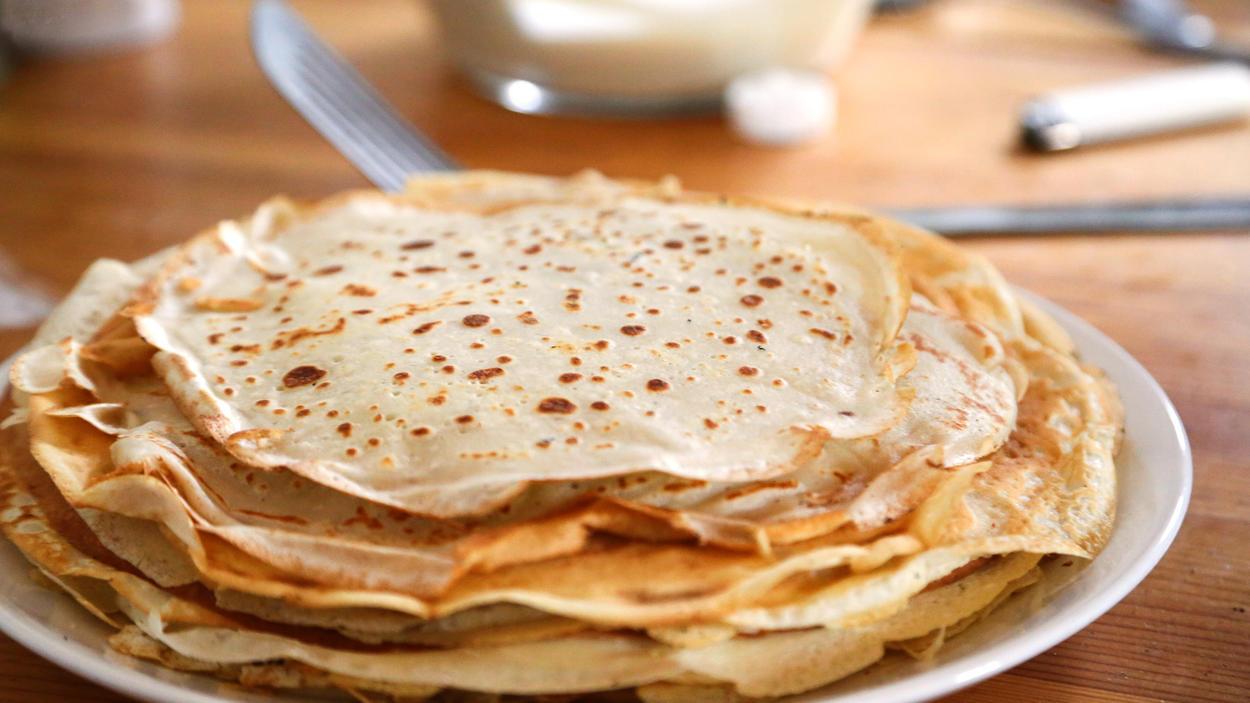 Pfannkuchen werden mit einer Geheimzutat besonders fluffig.