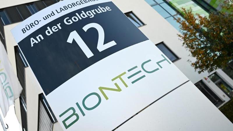 Biontech und Pfizer haben einen Antrag auf Zulassung bei der amerikanischen Arzneimittelbehörde eingereicht.
